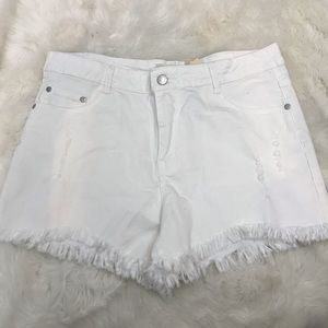Denim by Ellison White distressed shorts